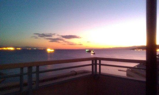 Herods Vitalis Spa Hotel Eilat: unreal sunset