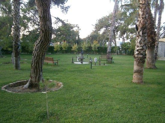 Otium Eco Club Side: bahçe..