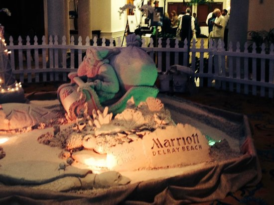 Delray Beach Marriott: Hotel lobby for Christmas