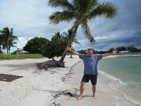 Sombrero Beach : Nice public little  beach !