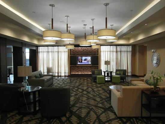Holiday Inn Hotel & Suites San Antonio Northwest: Very bright and modern reception and lounge