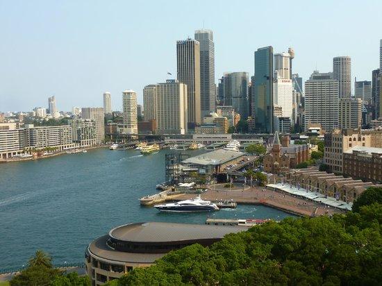 Pylon Lookout at Sydney Harbour Bridge: Vista do centro financeiro de Sydney