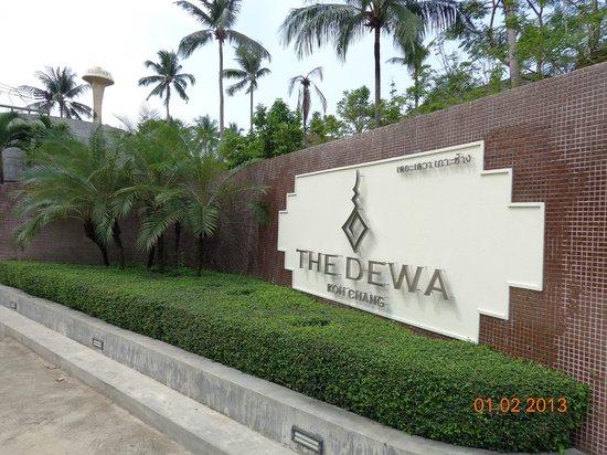 The Dewa Koh Chang: Вход в отель