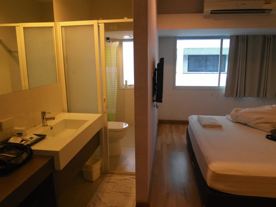 Nantra Silom: sanitary and bed