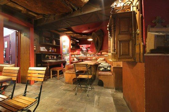 St Christopher's Inn at the Bauhaus: Bar
