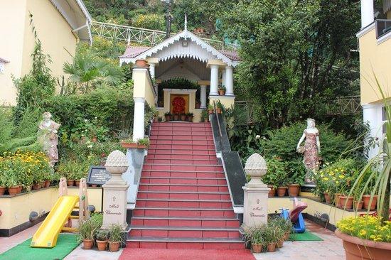 Mayfair Darjeeling : Small temple in the hotel