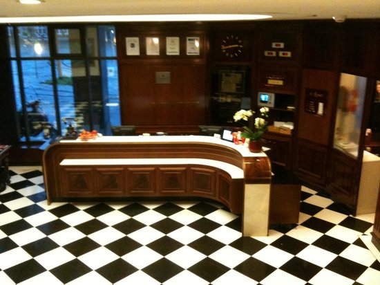 Hotel Ascot: Lobby