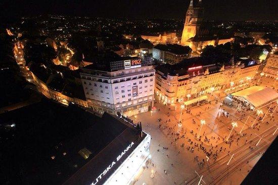 Zagreb Eye : Night time shot