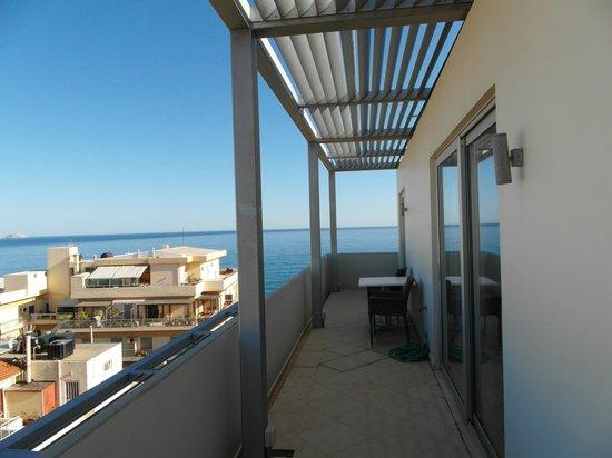 Terraço do Atrion Hotel, em Heraklion.
