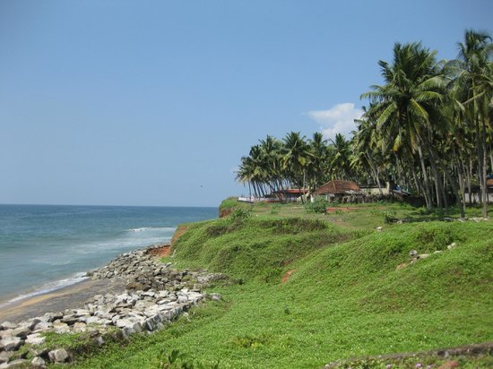 Kadaltheeram Ayurvedic Beach Resort: Beachfront