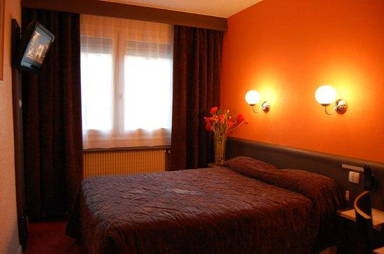 Hotel du Midi : Chambre CONFORT Orange Tonic