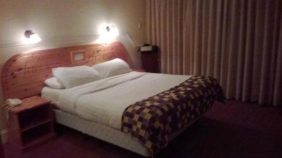 The Inn on the Lake: Room 4