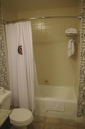 The Marker San Francisco, A Joie de Vivre Hotel : バスタブ付きのお風呂