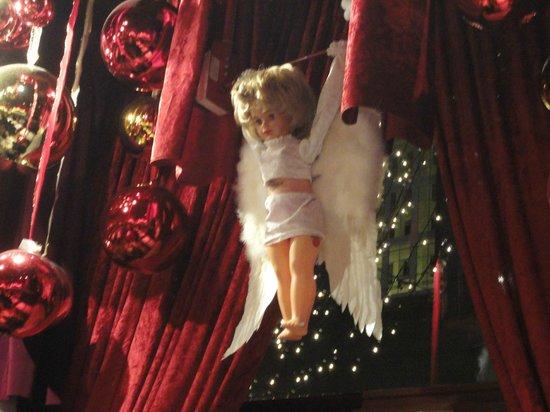 Restaurant & Bierstube Zum Stadtkeller: Puppet show