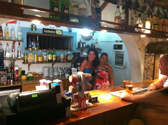 Tam Tam Bar: Amy with staff