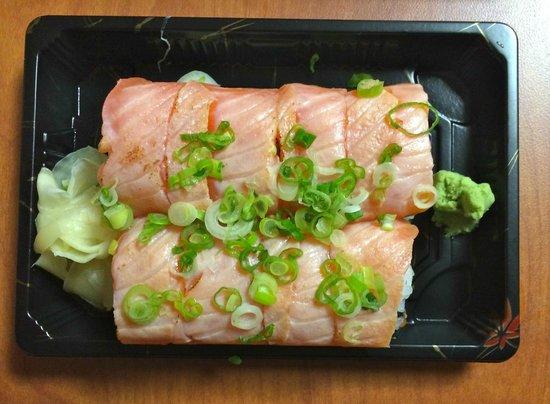 Sushitarian : Super Salmon Sushi Roll - a bit fishy ;-(