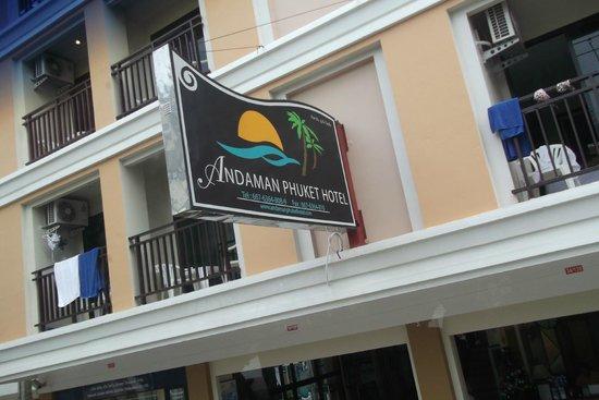 Andaman Phuket Hotel: Красивая вывеска
