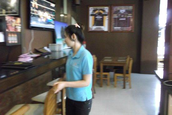 Andaman Phuket Hotel: Персонал