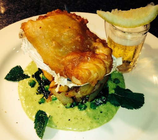 The Waterside Restaurant Bar & Terrace: Mini fish and chips