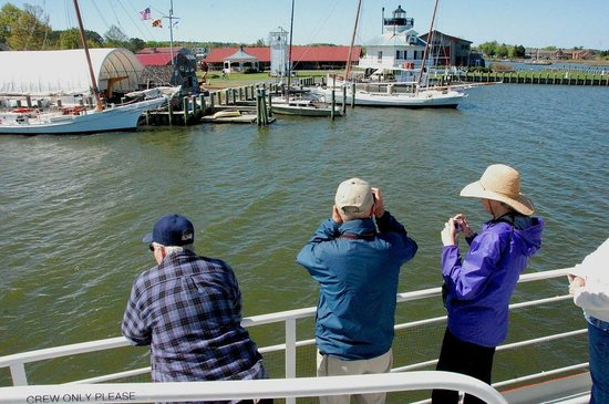 Patriot Cruises: The Chesapeake Bay Maritime Museum