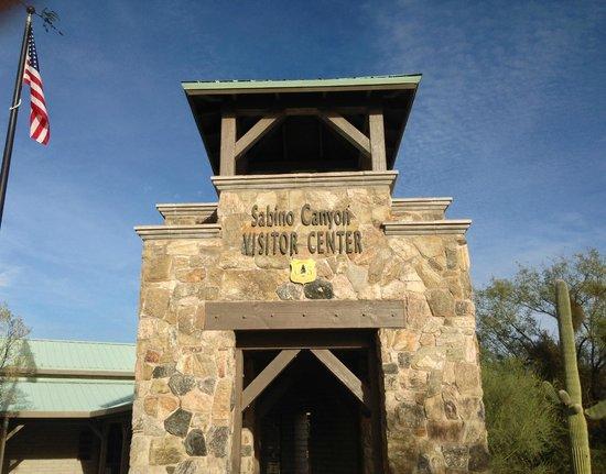Sabino Canyon: Entrance