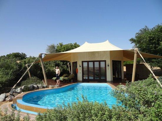 Al Maha, A Luxury Collection Desert Resort & Spa: Fügt sich pefekt ins Gelände rein