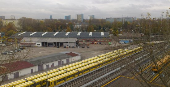 ABACUS Tierpark Hotel : View of train station