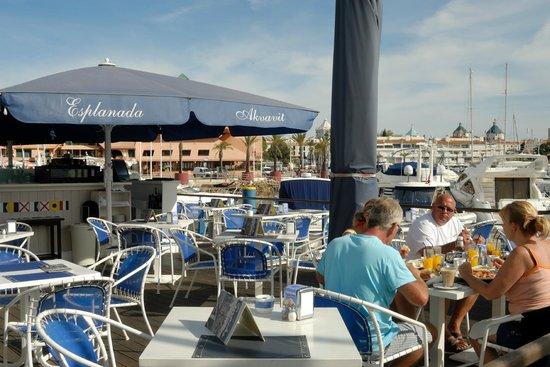 Restaurante Akvavit : Herrliche Sonnenterrasse