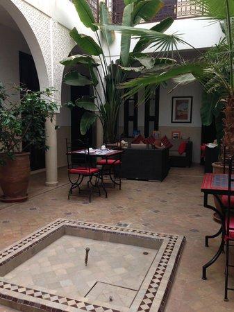 Riad Badi : Dining area