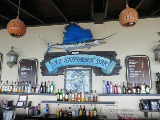 Blue Waters Inn: The Shipwreck Bar home of Mr. John's excellent rum punch