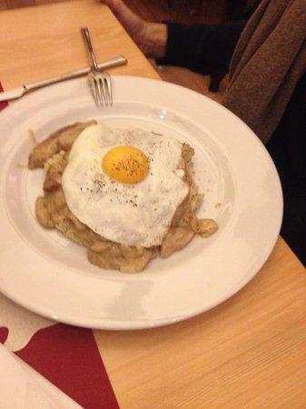 Ristorante Lalimentari : Polenta Taragna con uovo e porcini