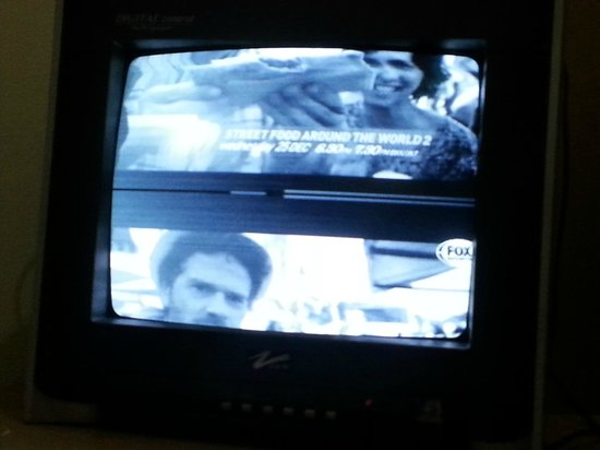 Ang's Hotel: split tv