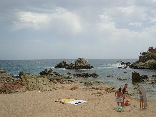 Lloret Beach: Такие вот камни