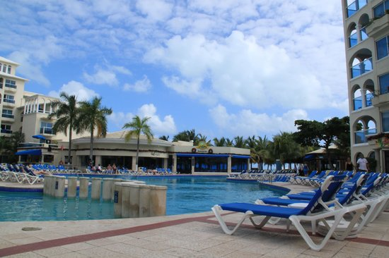 Occidental Costa Cancun: Pool view