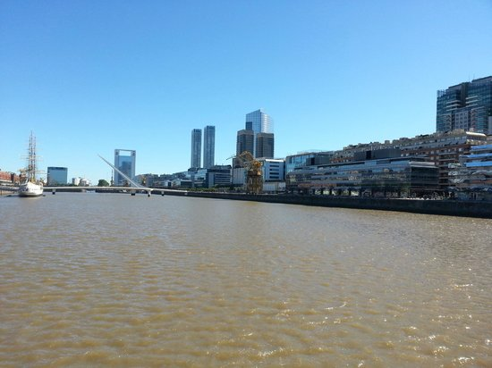 Sheraton Buenos Aires Hotel & Convention Center: Canal near to hotel