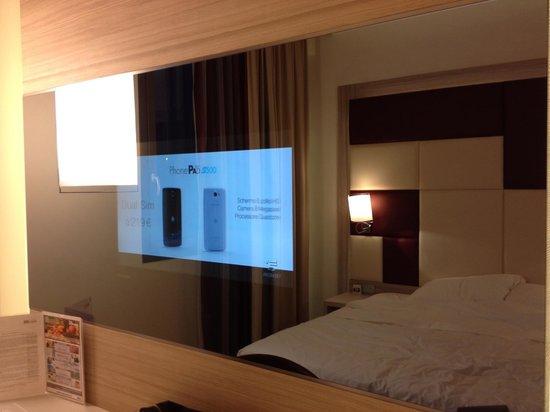 AS Hotel Limbiate Fiera: テレビの電源を付けると、このようになります。