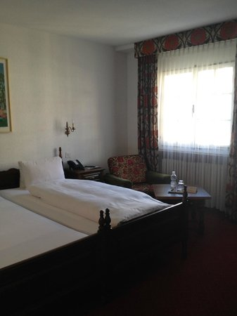 Hotel Parsenn: twin bed