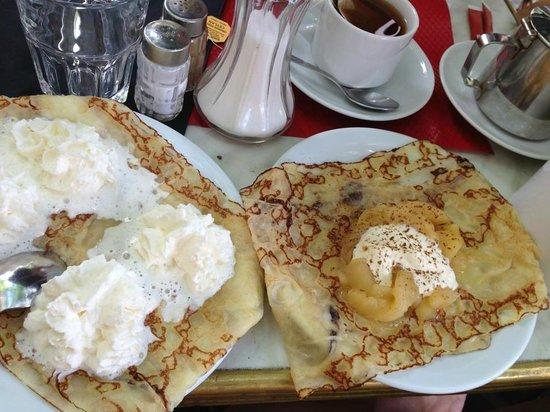 Creperie Beaubourg : 2 вида блинов - с кремом и с яблоком и корицей