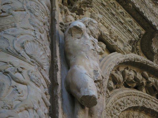 Monasterio de Nuestra Señora de la Piedad: Adán custodiando la entrada
