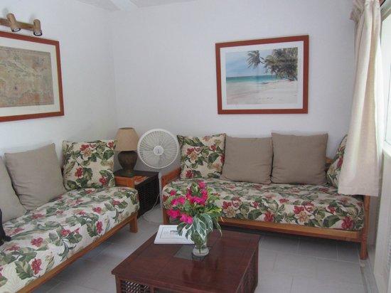 Siboney Beach Club: Sitting area