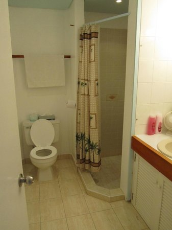 Siboney Beach Club : Bathroom - Small and outdated, no shelf in shower, no room for bathroom products