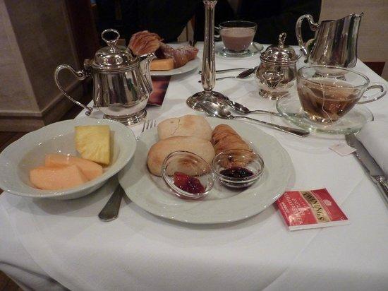 Barocco Hotel: un ptit dejeuner copieux avant une journée bien remplie