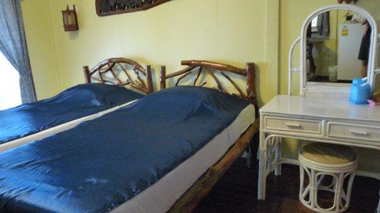 Holiday Resort Koh Yao Noi: Intérieur d'un bungalow