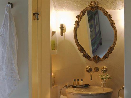 """Jardi d´Artá Boutique-Hotel: Doble superior, """"Capilla"""" mit direktem Zugang zum Garten, Bad"""