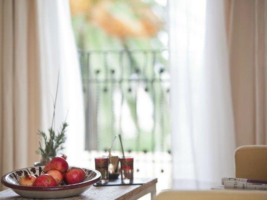 """Jardi d´Artá Boutique-Hotel: Doble superior, """"Galerìa 2"""" mit direktem Zugang zum Garten, Detail"""