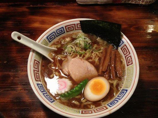 Shinasobasasago : 太麺の三三五そば