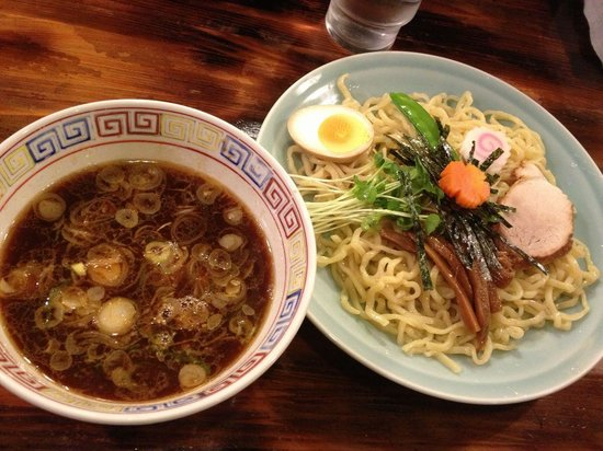 Shinasobasasago : つけ麺もあります