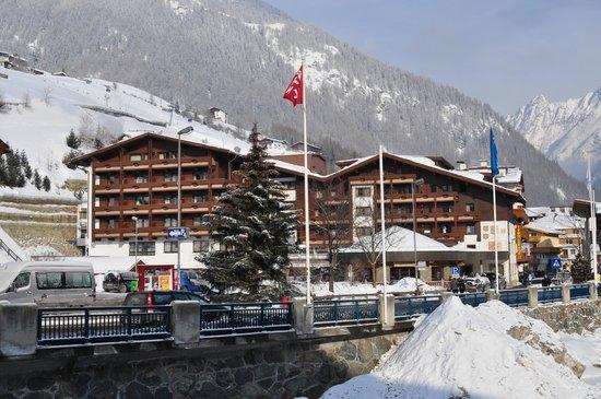 Hotel Tyrolerhof: Вид на отель