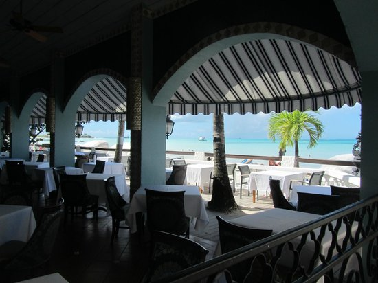 Sandals Grande Antigua Resort & Spa: View from inside Bayside