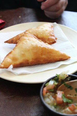 El Chumanguito Cocina Patagónica: la famosa, empanada chumanguita (varios rellenos del mar...)